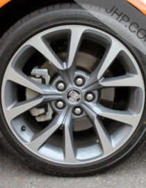 Holden VF SSV Wheel & Tyre Package Close Up